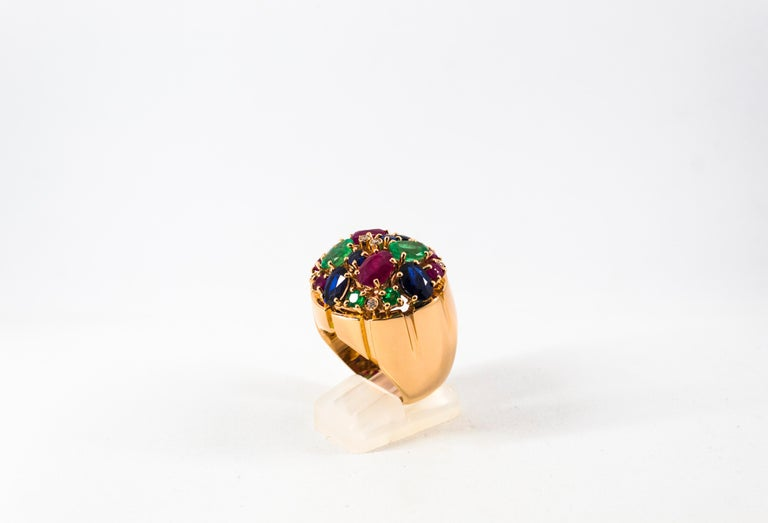 Women's or Men's Art Deco Style 10.15 Carat Diamond Ruby Emerald Sapphire Yellow Gold Ring For Sale