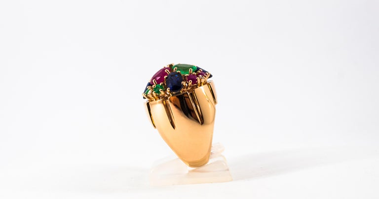 Art Deco Style 10.15 Carat Diamond Ruby Emerald Sapphire Yellow Gold Ring For Sale 2