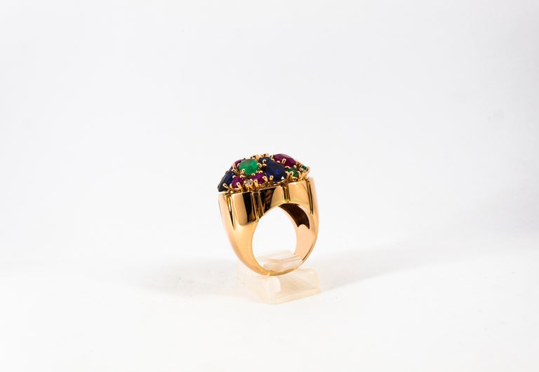 Art Deco Style 10.15 Carat Diamond Ruby Emerald Sapphire Yellow Gold Ring For Sale 3