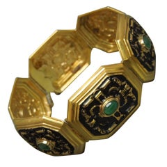 Art Deco 11 Carat Emerald 18 Karat Gold and Black Enamel Bracelet