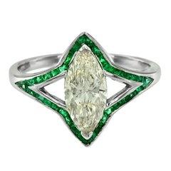 1.14 Carat Diamond Emerald 18 Karat White Gold Cocktail Ring