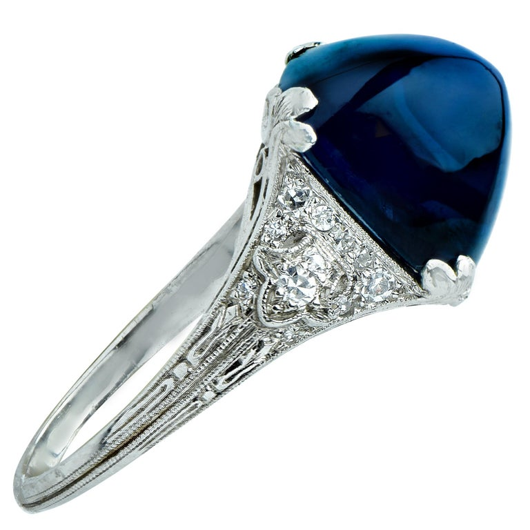 Art Deco 11.92 Carat Sugarloaf Sapphire and Diamond Ring In Excellent Condition For Sale In Miami, FL