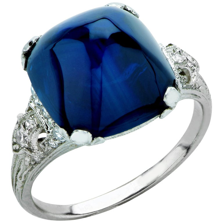 Art Deco 11.92 Carat Sugarloaf Sapphire and Diamond Ring For Sale