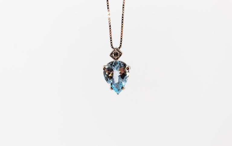 Pear Cut Art Deco Style 1.20 Carat Aquamarine 0.03 Carat  Diamond White Gold Necklace For Sale