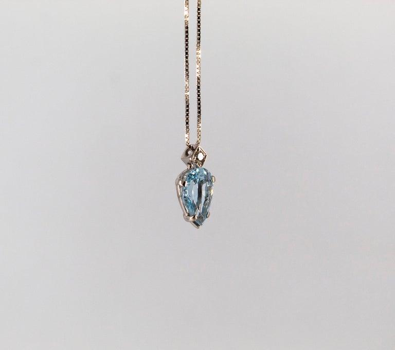 Art Deco Style 1.20 Carat Aquamarine 0.03 Carat  Diamond White Gold Necklace For Sale 1