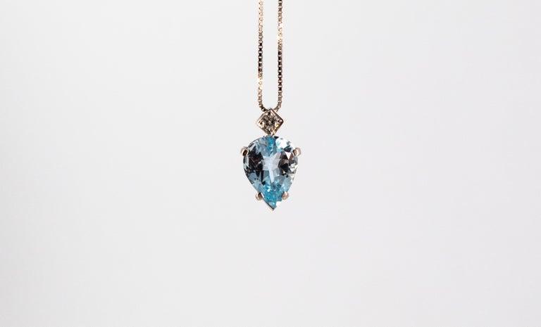 Art Deco Style 1.20 Carat Aquamarine 0.03 Carat  Diamond White Gold Necklace For Sale 2