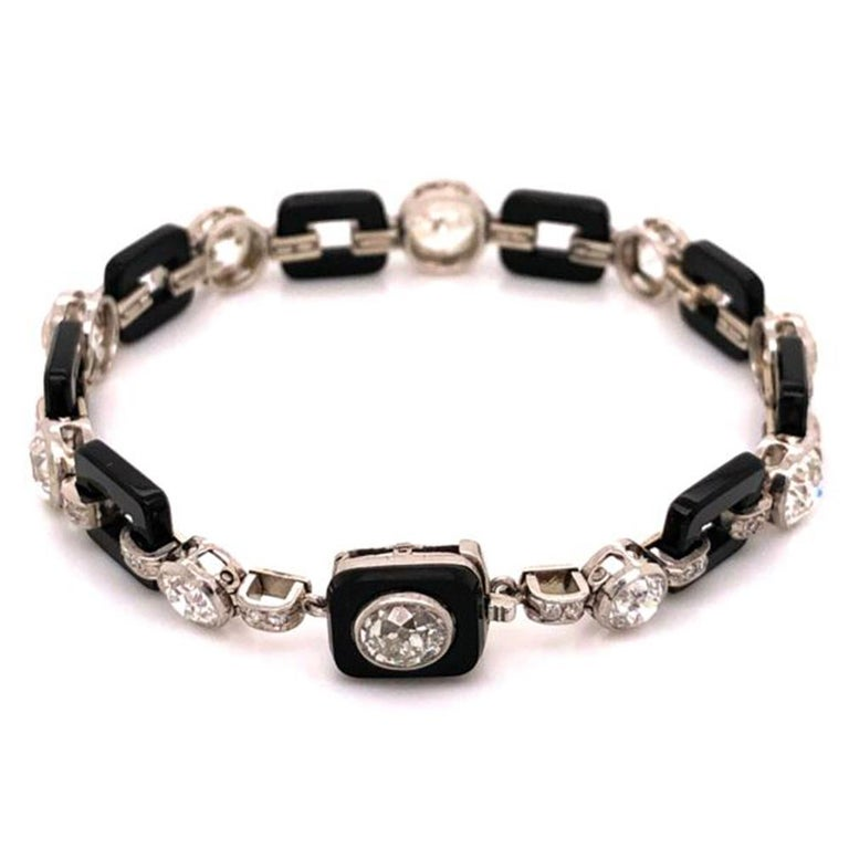 Art Deco 12.00 Diamond and Onyx Platinum Bracelet Fine Estate Jewelry In Excellent Condition For Sale In Montreal, QC