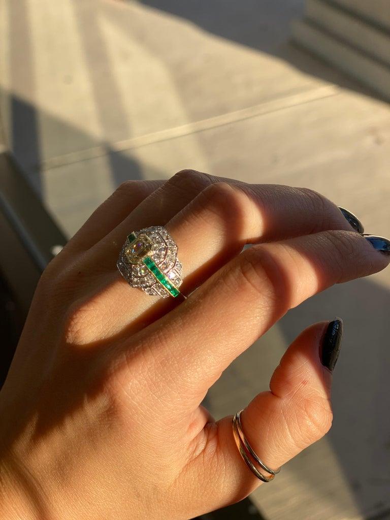 Art Deco 1.24 Carat Emerald Cut Diamond and Emerald Platinum Ring For Sale 9