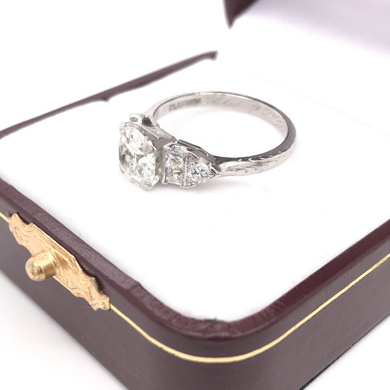 Art Deco 1.30 Carat French Cut Platinum Engagement Ring For Sale 4