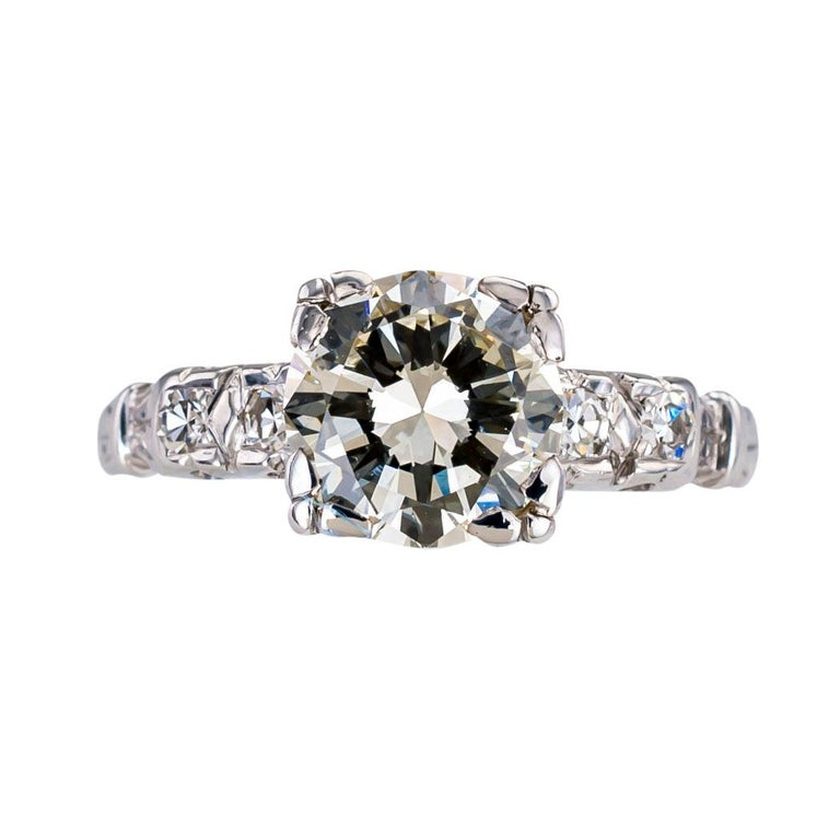 Round Cut Art Deco 1.34 Carat Diamond White Gold Solitaire Engagement Ring For Sale