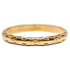 Art Deco 14 Karat Gold Engraved Vintage Wedding Band Stackable, circa 1930s