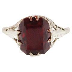 Art Deco 14 Karat White Gold Filigree Red Garnet Ring