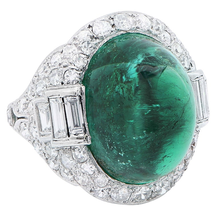 Art Deco 14.75 Carat Sugarloaf Cabochon Cut Colombian Emerald Diamond Ring In Excellent Condition For Sale In Coral Gables, FL