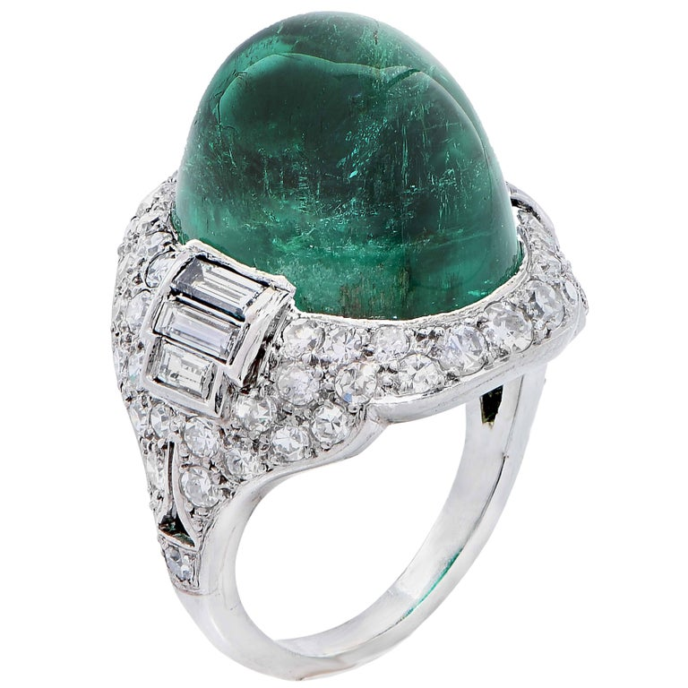Art Deco 14.75 Carat Sugarloaf Cabochon Cut Colombian Emerald Diamond Ring For Sale