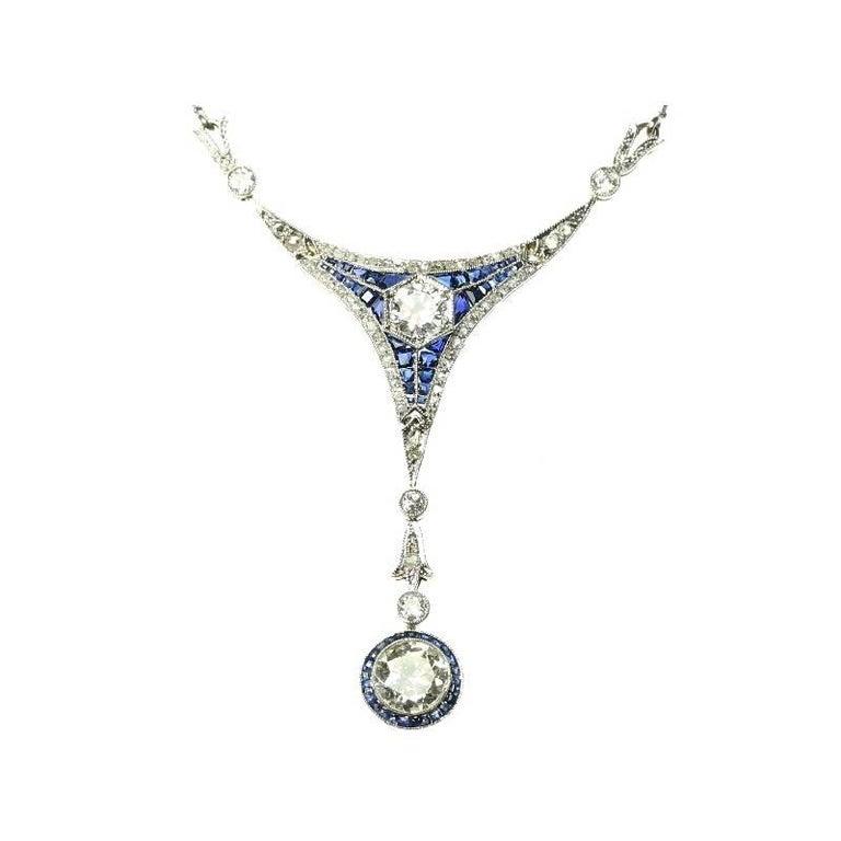 Art Deco 1.50 Carat Diamond and Sapphire 18 Karat Yellow Gold Pendant Necklace For Sale