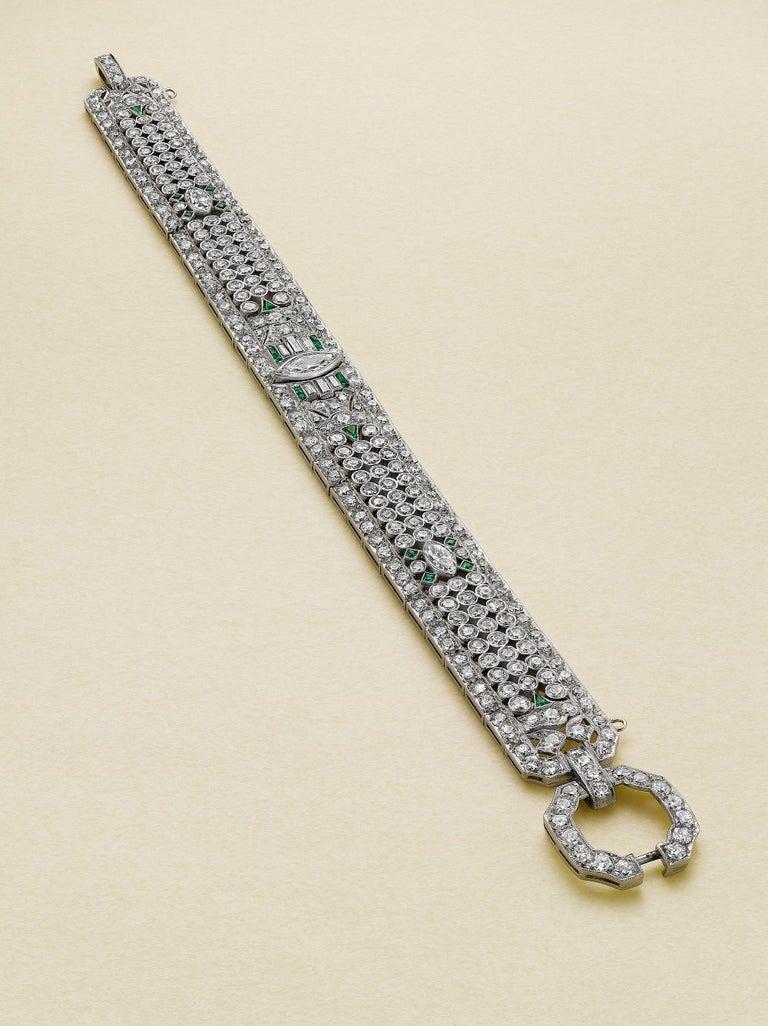 Mixed Cut Art Deco 15.50 Carat Fancy Cut Diamond and Emerald Bracelet For Sale