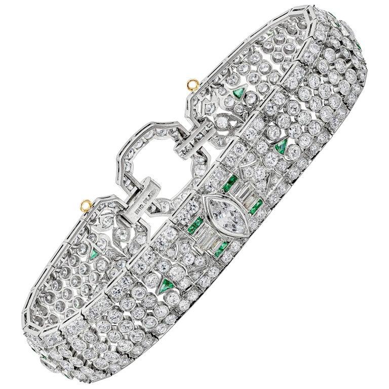 Art Deco 15.50 Carat Fancy Cut Diamond and Emerald Bracelet For Sale