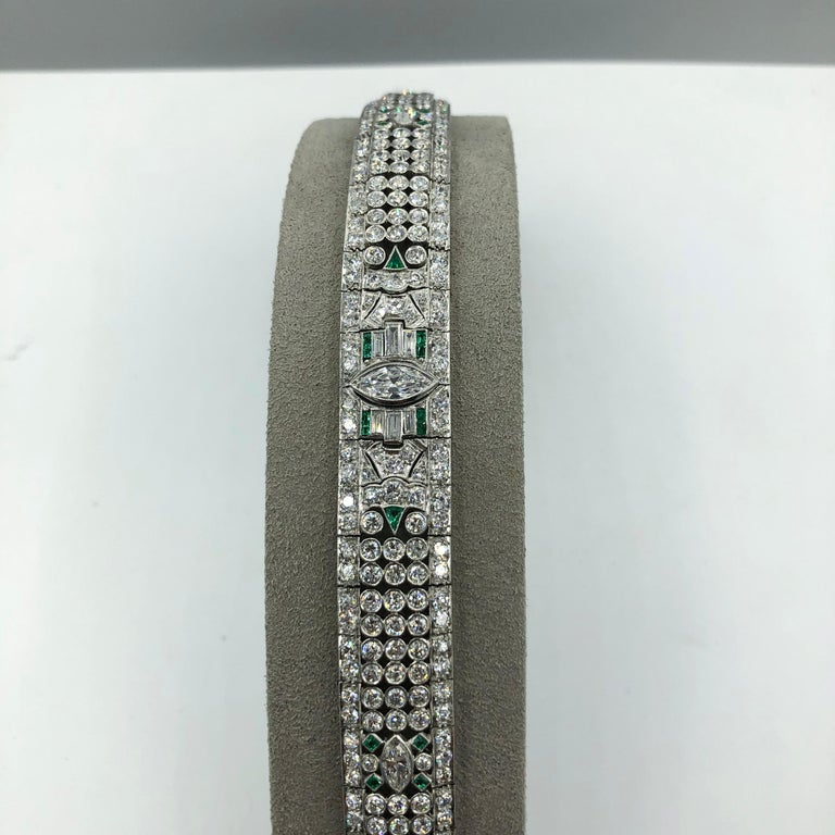Art Deco 15.50 Carat Fancy Cut Diamond Emerald Bracelet In Excellent Condition For Sale In New York, NY
