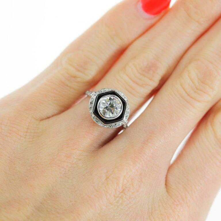 Art Deco 1.65 Carat Old European Cut Diamond Platinum Ring For Sale 1