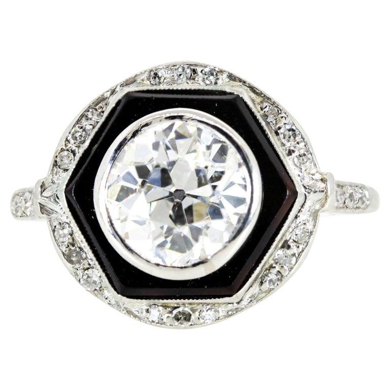 Art Deco 1.65 Carat Old European Cut Diamond Platinum Ring For Sale