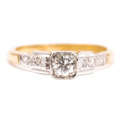 Art Deco 18 Carat Gold Round Diamond Vintage Engagement Ring, Circa 1930s