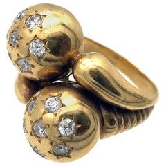 Art Deco 18 Karat Diamond Star Setting Cocktail Fashion Ring