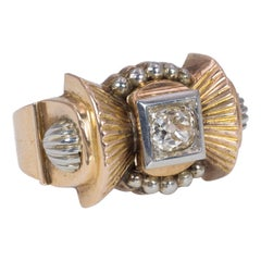 Art Deco 18 Karat Gold and 0.25 Carat Diamond Ring, 1930s-1940s
