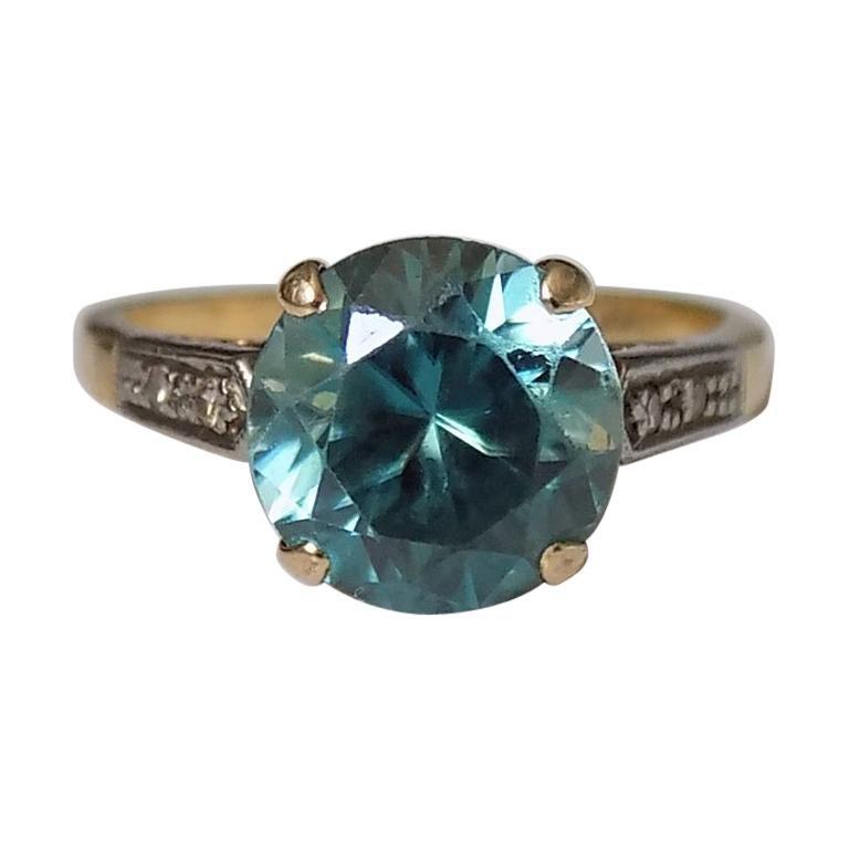 Art Deco 18 Karat Gold Blue Zircon Diamond Ring For Sale