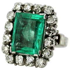 Art Deco 18 Karat Gold Ladies Cluster Ring with Natural Emerald and Diamonds