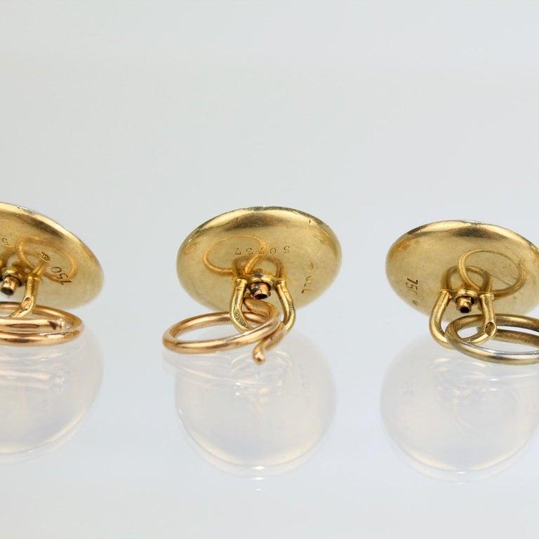 Art Deco 18 Karat Gold, Mother of Pearl, Sapphire and Diamond Cufflink Dress Set For Sale 3