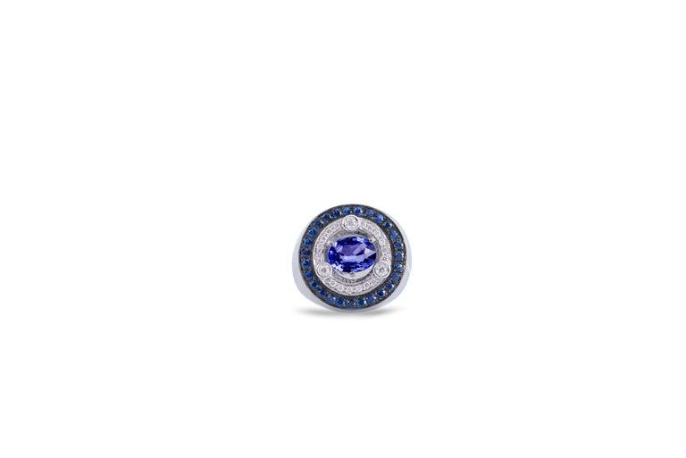 18 Karat White Gold 3.20 Karat Sapphires 0.30 Karat White Diamonds Ring For Sale 5