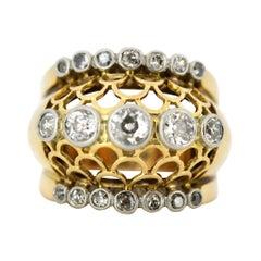 Art Deco 18 Karat Yellow Gold Ring with Diamonds, 1920s