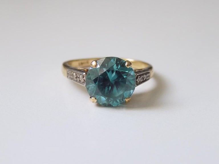 Art Deco 18 Karat Gold Blue Zircon Diamond Ring In Good Condition For Sale In Boston, Lincolnshire