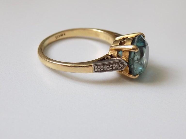 Women's Art Deco 18 Karat Gold Blue Zircon Diamond Ring For Sale