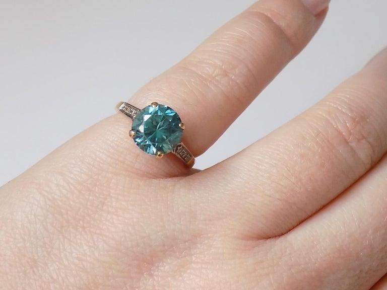 Art Deco 18 Karat Gold Blue Zircon Diamond Ring For Sale 2