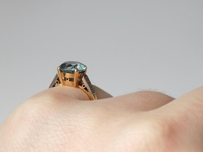 Art Deco 18 Karat Gold Blue Zircon Diamond Ring For Sale 3