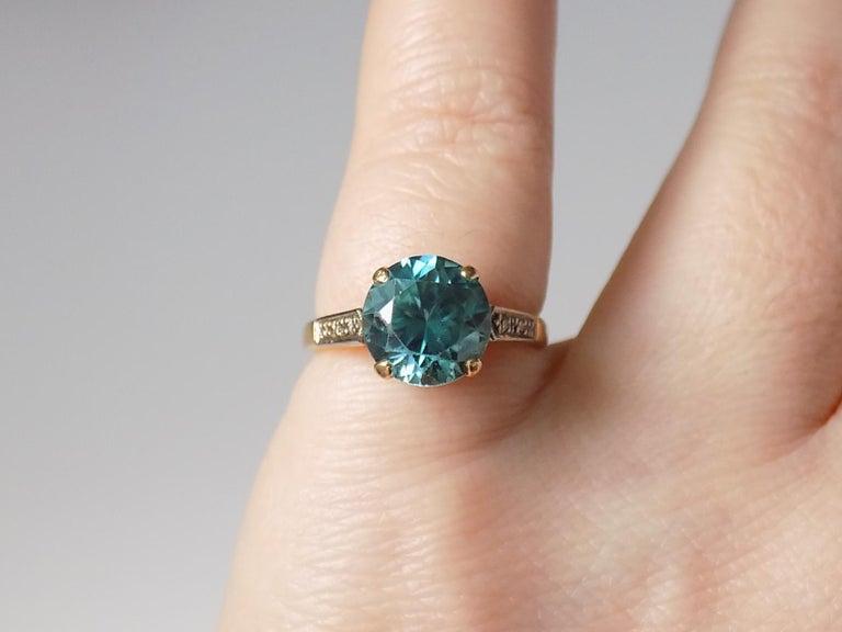 Art Deco 18 Karat Gold Blue Zircon Diamond Ring For Sale 4