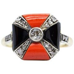 Art Deco 18 Karat Gold and Platinum Coral, Onyxes and Diamonds Ring