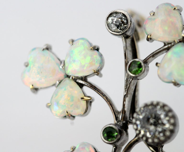 Art Deco 18 Karat Gold Ladies Brooch or Pendant, Opals, Diamonds and Peridot For Sale 8