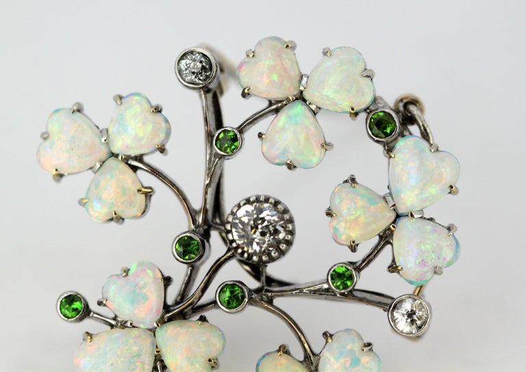 Art Deco 18 Karat Gold Ladies Brooch or Pendant, Opals, Diamonds and Peridot For Sale 5