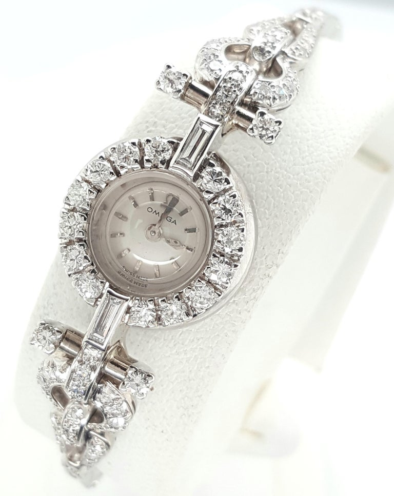 Art Deco Style 18 Karat White Gold Omega Diamond Ladies Swiss Wristwatch In Good Condition For Sale In Addison, TX