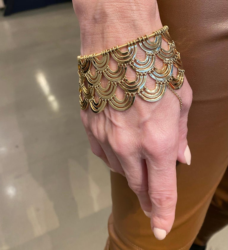 Art Deco Style 18 Karat Yellow Gold Bracelet In New Condition For Sale In New York, NY