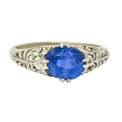 Art Deco 1.90 Carats Sapphire 14 Karat White Gold Scrolled Foliate Ring