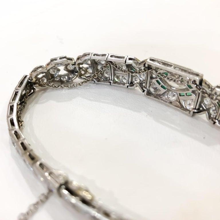 Round Cut Art Deco 1920s 5 Carat Diamond and Emerald Platinum Bracelet For Sale
