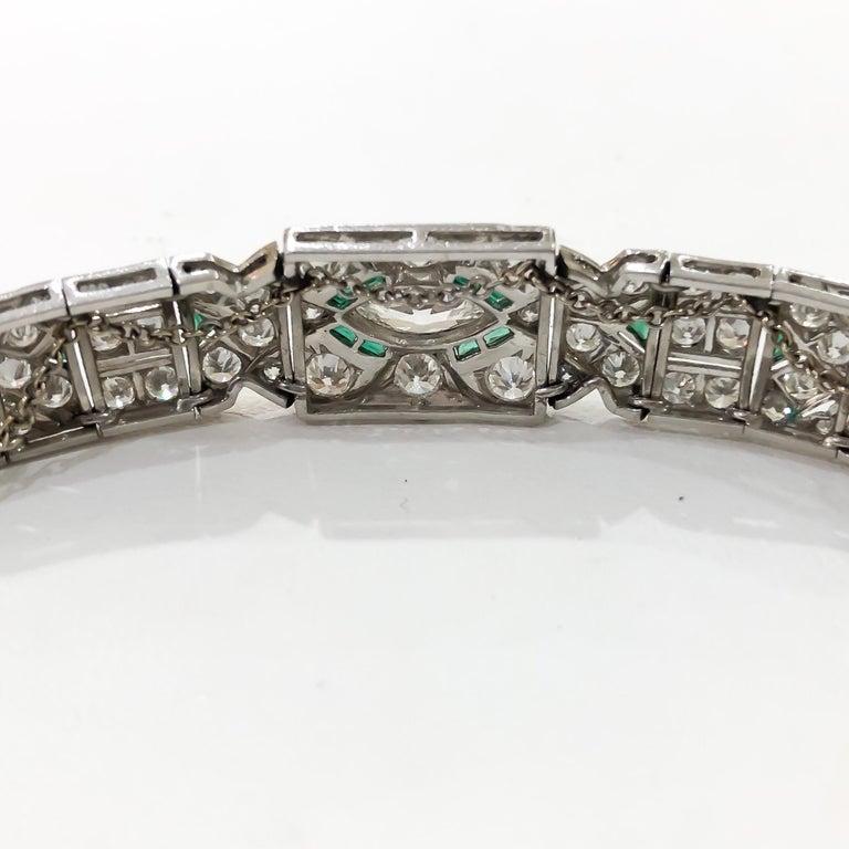 Women's Art Deco 1920s 5 Carat Diamond and Emerald Platinum Bracelet For Sale