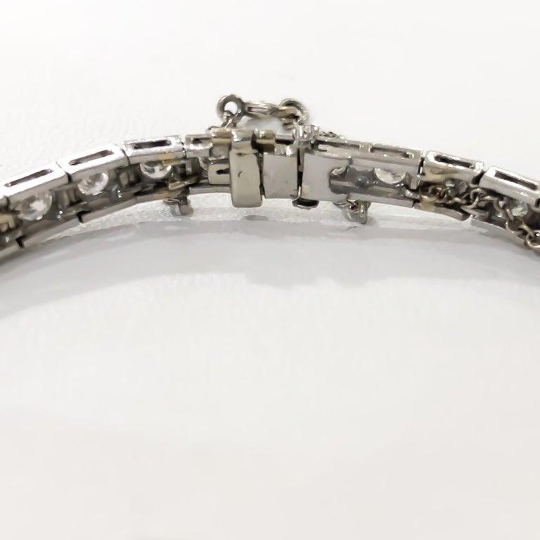 Art Deco 1920s 5 Carat Diamond and Emerald Platinum Bracelet For Sale 1