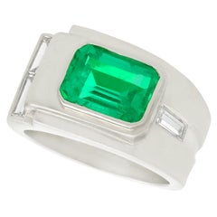 Art Deco 1930s 1.80 Carat Colombian Emerald and Diamond Platinum Cocktail Ring