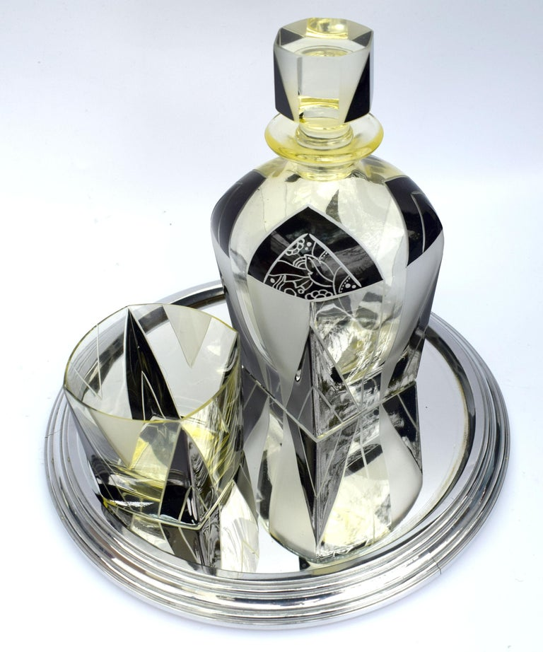 Art Deco 1930s Czech Geometric Glass Decanter Set For Sale 4