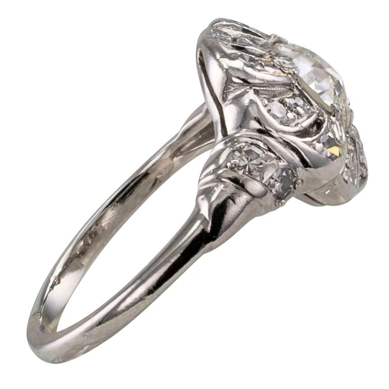 Art Deco 1930s Diamond Platinum Engagement Ring In Excellent Condition For Sale In Los Angeles, CA