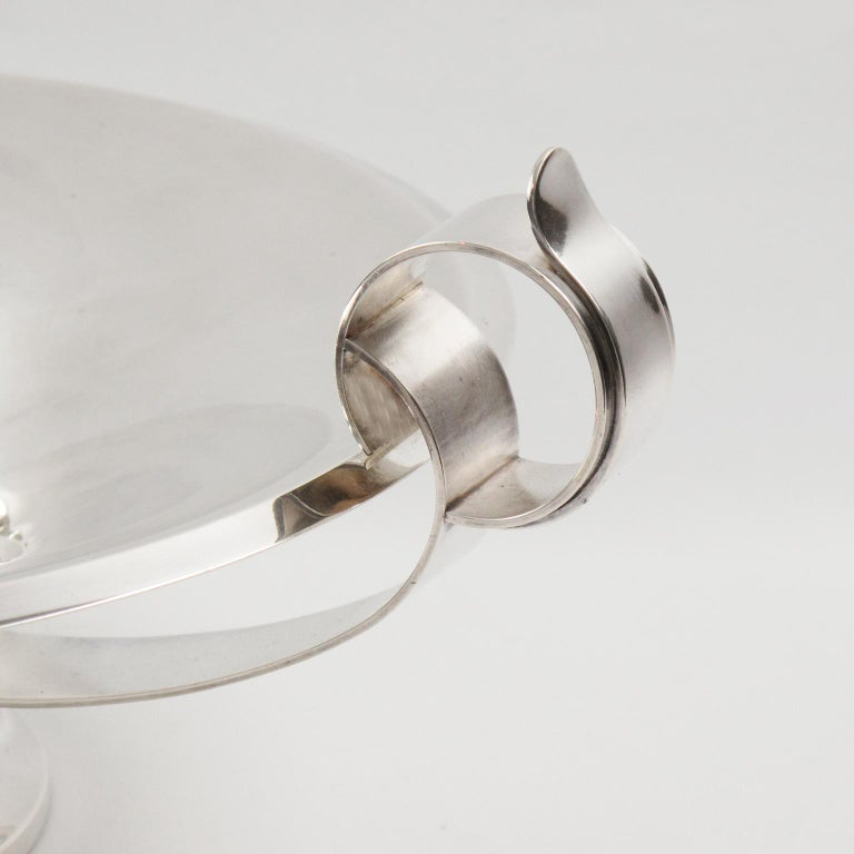 Mid-20th Century Art Deco 1930s French Silver Plate Large Serving Bowl Centerpiece For Sale